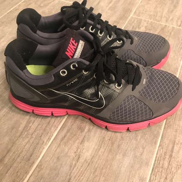 low priced b7e09 68121 Nike Lunarglide 2 Flywire - Women's size 9.5